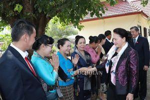Chủ tịch Quốc hội Nguyễn Thị Kim Ngân thăm và làm việc tại tỉnh Viêng Chăn, lào