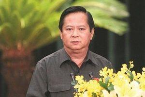 Nguyên Phó Chủ tịch TP HCM Nguyễn Hữu Tín chuẩn bị hầu tòa, đối diện mức án 20 năm tù
