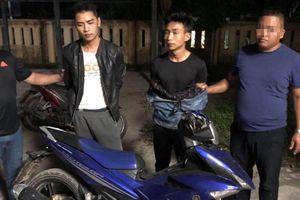 Bắt 2 nghi can sát hại tài xế GrabBike 18 tuổi