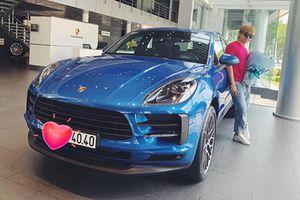 Ca sỹ Chi Dân 'đập hộp' Porsche Macan hơn 3 tỷ đồng