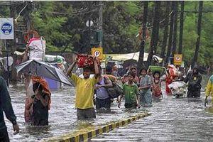 Ấn Độ: Mưa lớn khiến 86 người chết, bệnh viện chìm trong biển nước