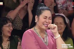Minh Nhí 'tố' bị NSND Hồng Vân... tụt quần trên sóng truyền hình