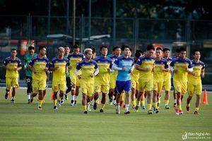 ĐT Việt Nam trước trận gặp Malaysia: Miếng đánh biên và nỗi nhớ Phan Văn Đức