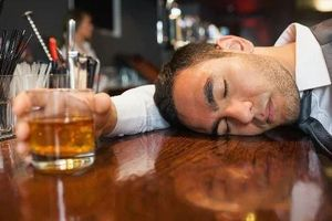 Người không uống rượu vẫn có thể bị tổn thương gan do cồn
