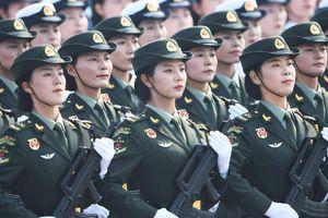 Nữ tướng lần đầu xuất hiện ở diễu binh quốc khánh Trung Quốc