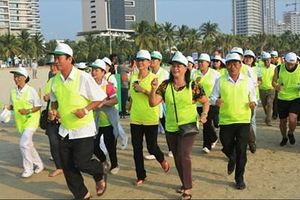 Đà Nẵng: Gần 300 vận động viên chạy marathon 'Vì sự bình yên của trẻ thơ'