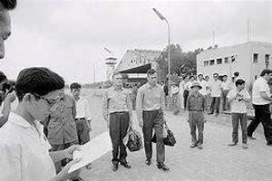 Hà Thành Kim cổ ký: Hai sự kiện lịch sử tại sân bay Gia Lâm