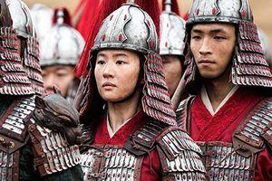 Cận cảnh tạo hình Hoa Mộc Lan của Lưu Diệc Phi trong Mulan 2020: Thần thái đã đủ chưa?
