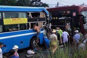 Hai xe khách đối đầu, 7 người nhập viện nguy kịch
