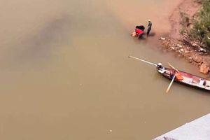 Đau lòng khi phát hiện thi thể nữ cử nhân dưới sông Lam