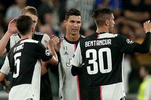Phá lưới Bayer Leverkusen, Ronaldo lại 'vượt mặt' Messi