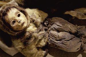BÍ ẨN: Xác ướp em bé 6 tháng tuổi còn nguyên vẹn sau hơn 500 năm