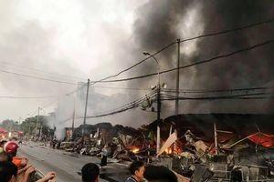 Cháy lớn ở chợ tạm Thanh Hóa, 400 ki-ốt bị thiêu rụi
