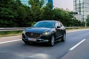 Mazda CX-30 đẹp long lanh giá từ hơn 500 triệu đồng gây 'sốt'