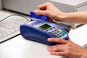 Tiền 'bốc hơi' vì thói quen đưa thẻ tín dụng cho nhân viên nhà hàng quẹt