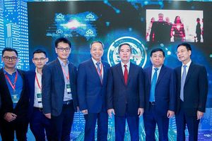 Industry 4.0 Summit 2019: CMC truyền cảm hứng 'Chinh phục chuyển đổi số'