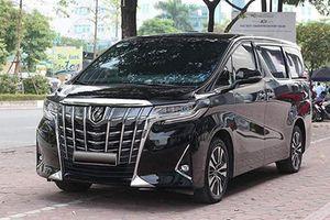 MPV hạng sang Toyota Alphard hơn 4 tỷ lên sàn xe cũ Hà Nội