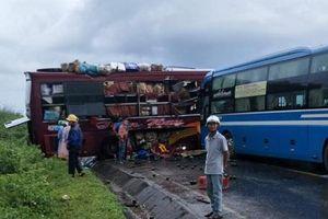 Kon Tum: Va chạm kinh hoàng giữa 2 xe khách khiến 7 người bị thương