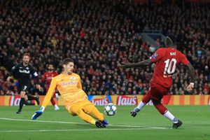 'Nhà tiên tri bóng đá' xuất hiện ở trận Liverpool và RB Salzburg