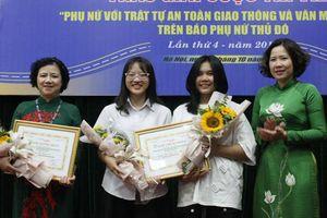 Trao giải cuộc thi viết 'Phụ nữ với trật tự ATGT và văn minh đô thị'