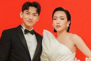 Isaac, Diệu Nhi tình tứ trên thảm đỏ liên hoan phim ở Hàn Quốc