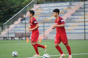 Được lên tuyển Việt Nam, Tiến Linh và Trọng Hùng tập luyện 'tươi như hoa' cùng U22