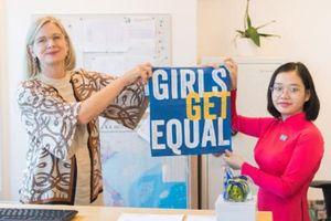 Đại sứ Thụy Điển trao quyền cho trẻ em gái tại Việt Nam