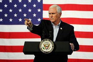 Giữa lúc bê bối chính trị, Phó Tổng thống Mỹ Mike Pence để lộ đoạn clip 'nhạy cảm'