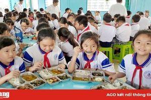 Trường Tiểu học bán trú 'A' Long Thạnh đẩy mạnh cải thiện chất lượng bữa ăn học đường