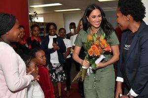 Công nương Meghan được khen ngợi nhờ lựa chọn thời trang thông minh tại châu Phi