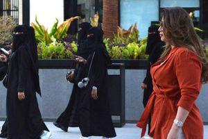 Saudi cho phép nam, nữ nước ngoài độc thân chung phòng khách sạn