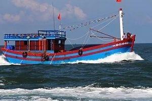 Trung Quốc ngăn cản ngư dân Việt Nam trục vớt tàu chìm