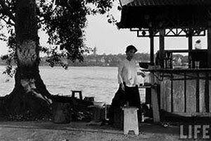 Hà thành kim cổ ký: Chuyện cung nữ hồ Trúc Bạch