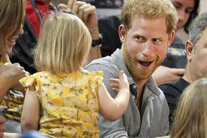 Những khoảnh khắc rất đời thường của thành viên hoàng gia Anh