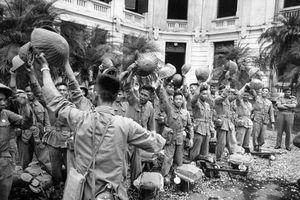 Trận đấu cuối cùng trước khi đoàn quân chiến thắng tiến về Thủ đô