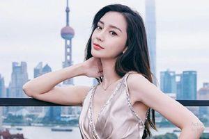 Angelababy không đeo nhẫn cưới giữa ồn ào ly hôn Huỳnh Hiểu Minh