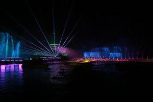 Rực rỡ sắc màu lễ hội ánh sáng tại thác Bản Giốc