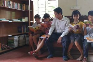 Người lập Thư viện Hồng Châu