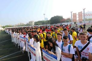 103 đội bóng tranh ngôi vô địch giải học sinh THPT Hà Nội