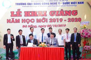 Trường Cao đẳng Công nghệ Y – Dược Việt Nam khai giảng năm học mới