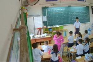 TP.HCM: Cô giáo đánh, véo tai nhiều học sinh trong giờ học