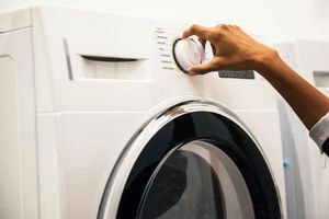 Nhà nào cũng có máy giặt nhưng không phải ai cũng biết cách dễ nhất để làm sạch máy giặt