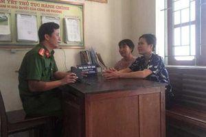 Hai người phụ nữ ở Hà Tĩnh trả lại hơn 20 triệu đồng cho người đánh rơi