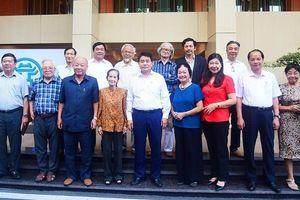 Lãnh đạo TP Hà Nội gặp mặt văn nghệ sỹ, trí thức, nhà quản lý tiêu biểu