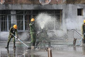 Hoàn thành tẩy độc hiện trường vụ cháy Nhà máy Rạng Đông