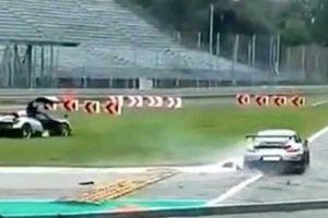 Xót xa khi siêu xe Porsche 911 GT2 RS tông đuôi Pagani Huayra BC