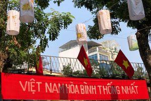 'Ký ức Hà Nội - 65 năm' tái hiện trên phố bích họa Phùng Hưng