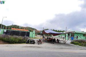 Người dân lại chặn cổng nhà máy rác vì cho rằng chính quyền thất hứa