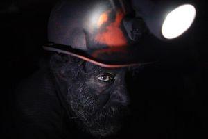 Bên trong những mỏ than tối tăm, nguy hiểm dưới lòng đất
