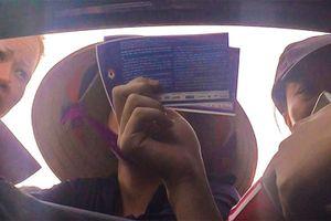 Dân phe cãi vã, tranh khách mua vé trận Việt Nam gặp Malaysia